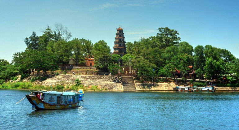Chan May Port to Hue by car