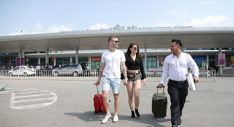Danang Airport to City Center by car